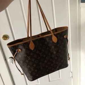 Louis Vuitton MM-- Bundle Message inquiry